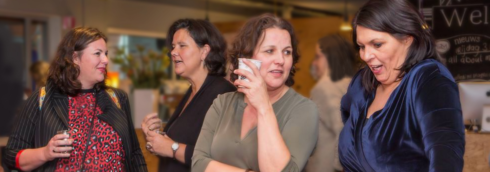 Vibeclub business vrouwen ondernemers zichtbaarheid, actie, vloggen, bloggen, video, website zichtbaar